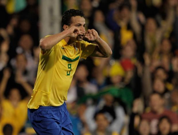 leandro damião brasil x gana (Foto: Mowa Press)