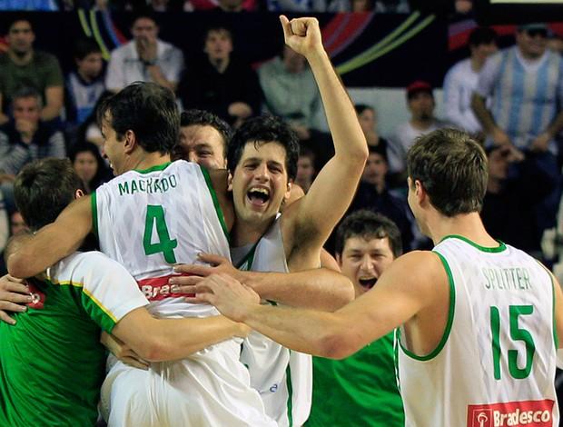 basquete Brasil x República Dominicana (Foto: AP)