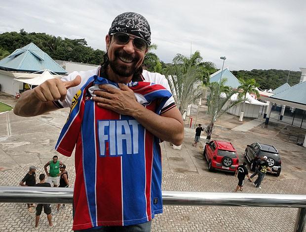 bell marques com a camisa do Bahia para meu jogo inesquecivel (Foto: Raphael Carneiro/Globoesporte.com)