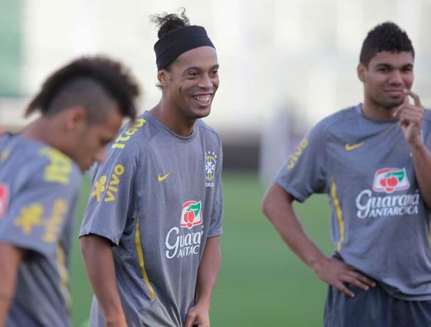 Ronaldinho no treino da Selecao Brasileira (Foto: Mowa Press)