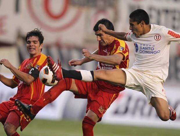 Universitario 2 x 0 Deportivo Anzoátegui (Foto: EFE)