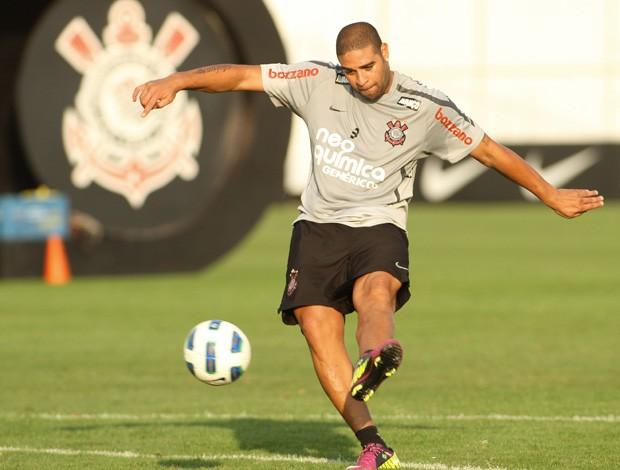Adriano no treino do Corinthians (Foto: Rodrigo Coca/Agência Estado)