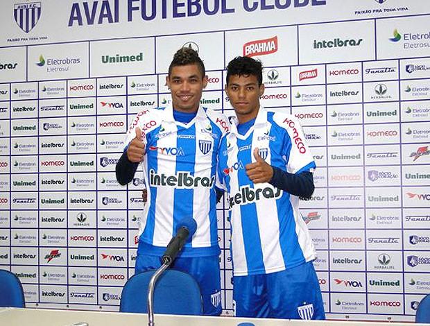 Diego e Junior Urso são apresentados no Avaí (Foto: Divulgação / Site Oficial)