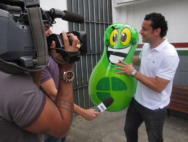 Fred com João Sorrisão (Foto: Edgar Maciel de Sá/Globoesporte.com)