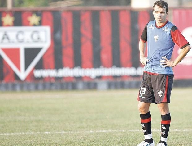 Paulo Henrique, zagueiro do Atlético-GO (Foto: Cristiano Borges/O Popular)