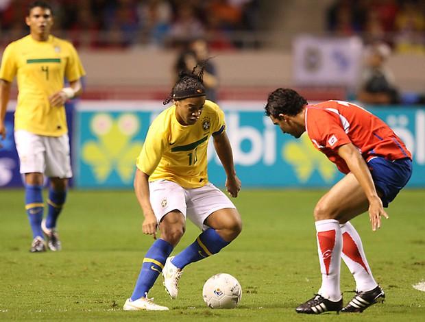 ronaldinho gaucho  costa rica x brasil (Foto: Mowa Press)