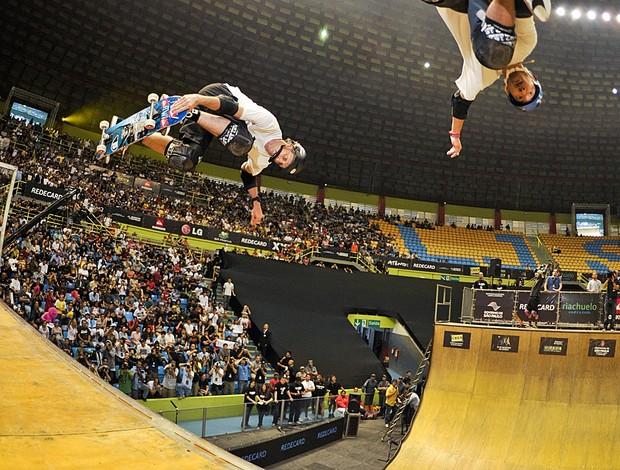O double com Tony Hawk e Lincoln Ueda foi o ponto alto da exibição deste domingo (Foto: Pablo Vaz)