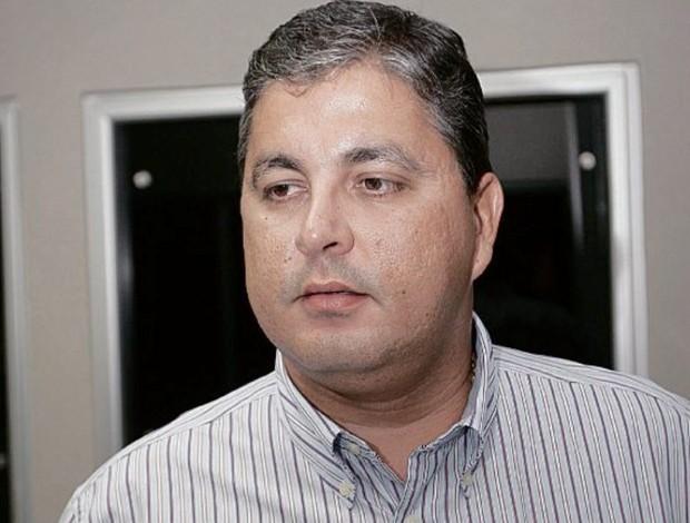 Sizenando Ferro, presidente da New Ville Sports (Foto: Cristiano Borges/O Popular)