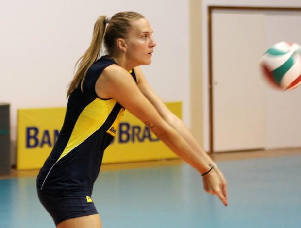 Mari é um dos destaques da seleção brasileira feminina de vôlei  (Foto: Divulgação / CBV)