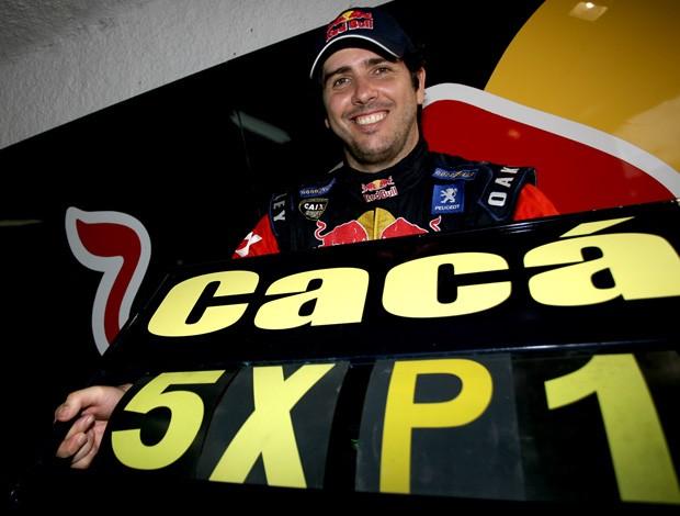 Cacá Bueno é pole position da Stock Car em Brasília (Foto: Bruno Terena)