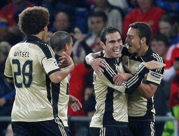 Bruno Cesar gol Benfica (Foto: Reuters)