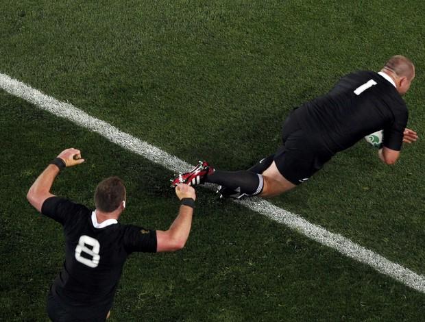 Nova Zelândia supera a França na final do Mundial de Rúgbi (Foto: Reuters)