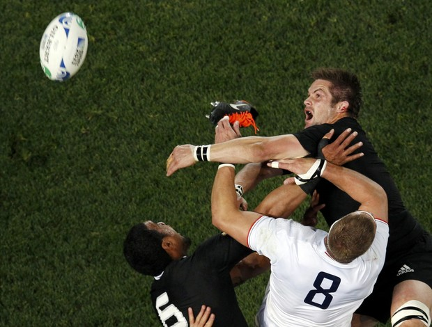 Nova Zelândia x França no Mundial de Rúgbi (Foto: Reuters)