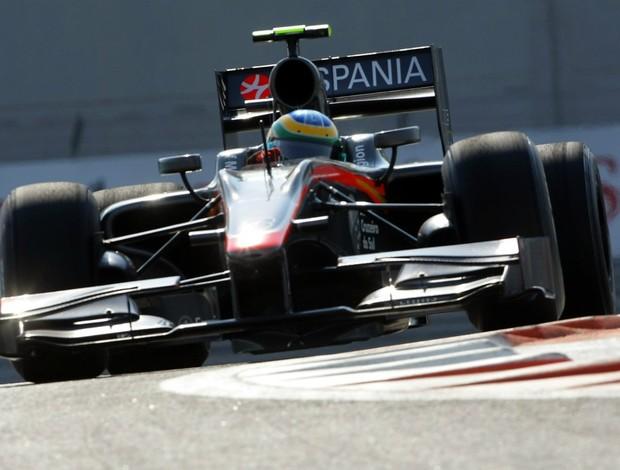 Bruno Senna a bordo da Hispania em Abu Dhabi na temporada passada (Foto: Getty Images)