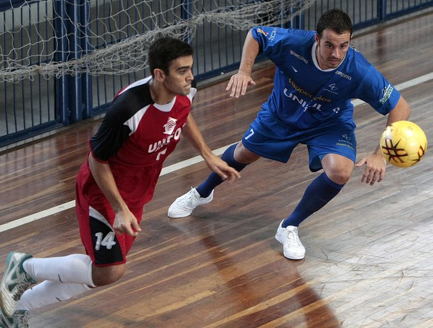 Unifor (CE) e Unisul (SC) empatam e garantem vaga nas semifinais do futsal das OUs (Foto: Gaspar Nóbrega / Inovafoto)