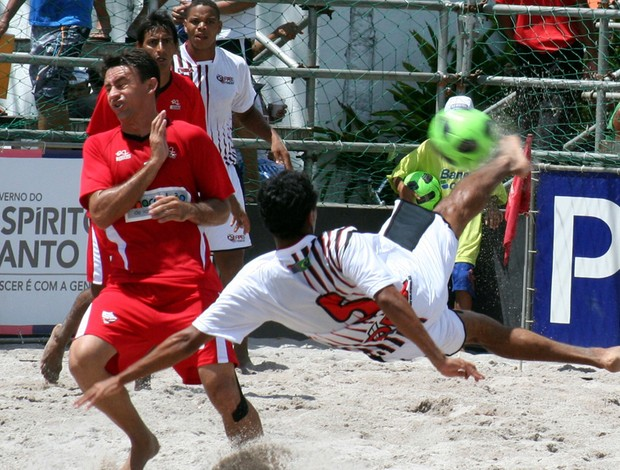 Primeira rodada da I Copa dos Campeões de futebol de areia (Foto: Divulgação/Pauta Livre)