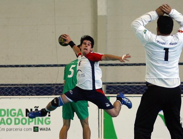 Handebol masculino CEAP (AP) e ULBRA (RS) Olimpíadas Universitárias (Foto: Wander Roberto / Inovafoto)
