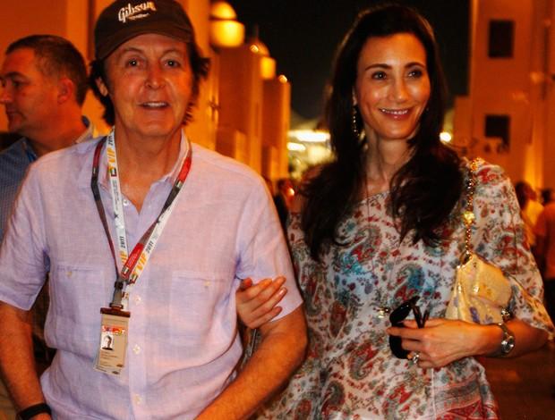 Paul McCartney e sua esposa Nancy Shevell no GP de Abu Dhabi (Foto: Agência Getty Images)
