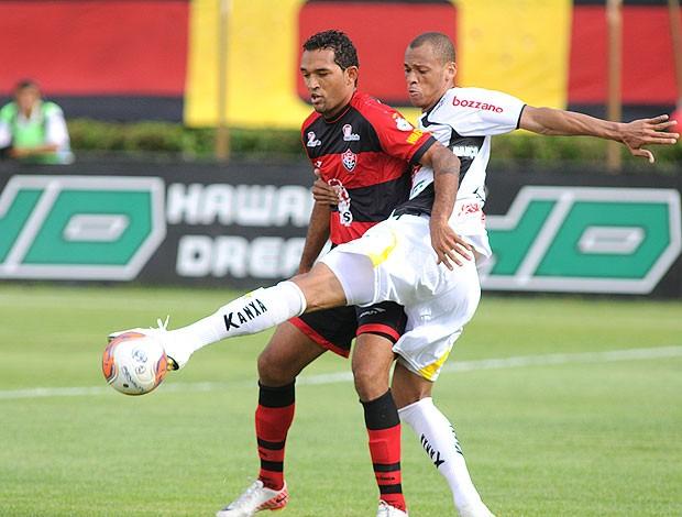 Lance da partida entre Vitória e Criciuma (Foto: Ag. Estado)