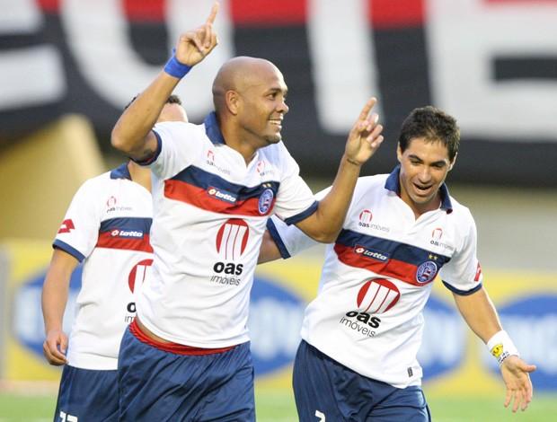 Souza bahia gol atlético-GO (Foto: André Costa / Agência Estado)