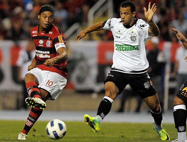 Ronaldinho Flamengo x Figueirense (Foto: Alexandre Loureiro / VIPCOMM)