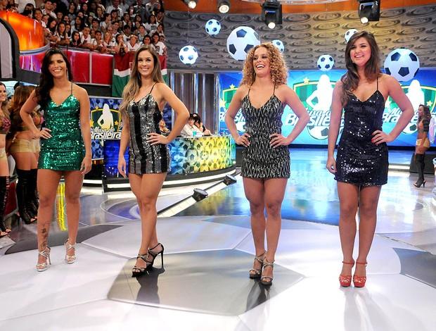 Mirian, Nadia, Thalia e Bianca na final da Musa do Brasileirão (Foto: André Durão / GLOBOESPORTE.COM)