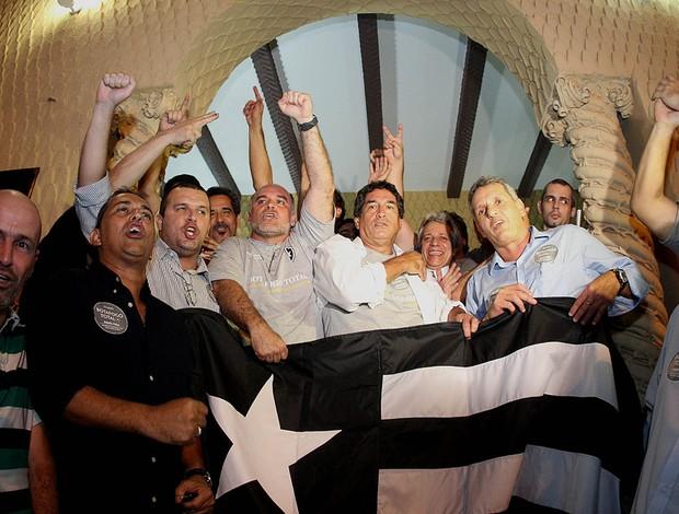 Mauricio Assumpção botafogo eleição (Foto: Fernando Soutello/AGIF)