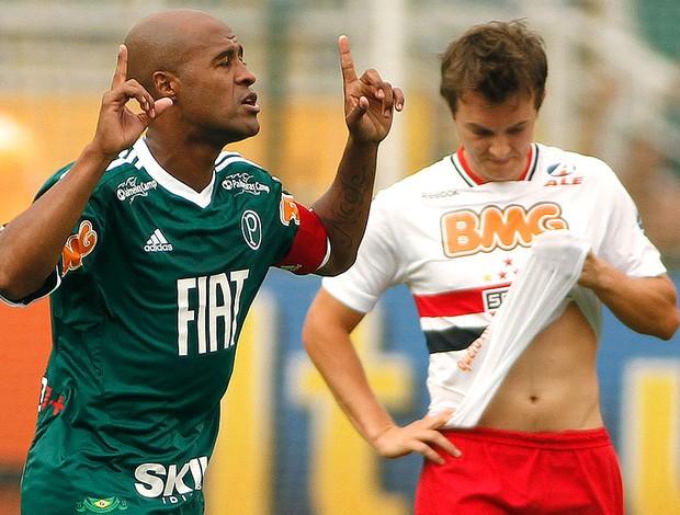 Marcos Assunção comemora gol do Palmeiras contra o São Paulo (Foto: Rodrigo Coca / Ag. Estado)