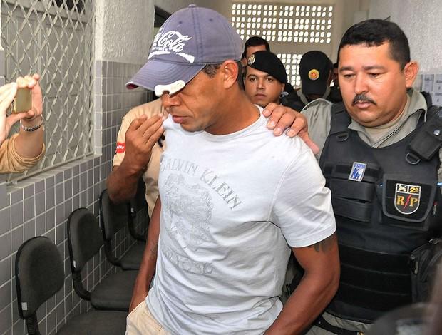 Marcelinho Paraíba na delegacia (Foto: Futura Press)