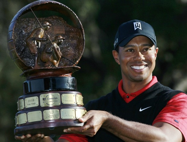 golfe Tiger Woods é campeão do World Challenger (Foto: AP)