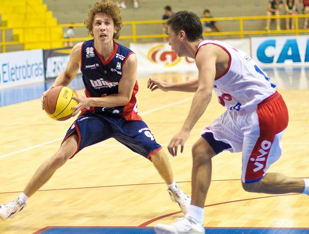 Neto Limeira basquete NBB (Foto: Newton Nogueira / Divulgação)