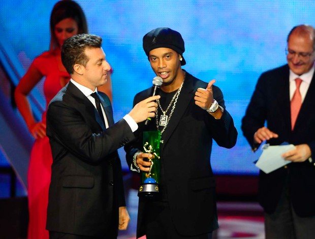 ronaldinho gaúcho prêmio craque do brasileirão (Foto: Marcos Ribolli/GLOBOESPORTE.COM)