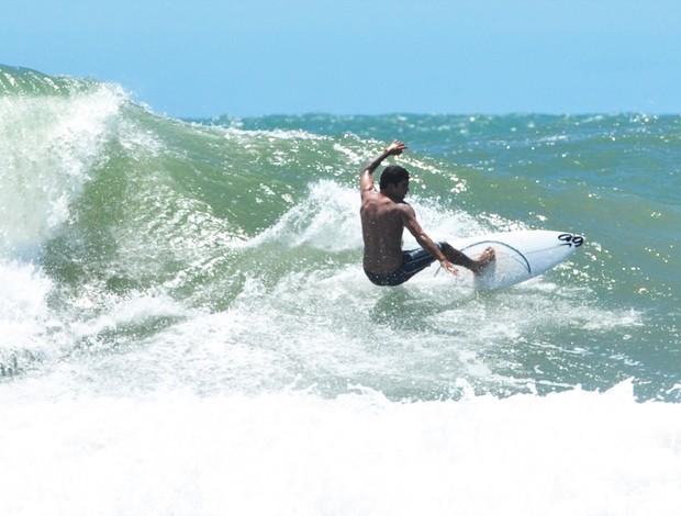 scooby tripa nas ondas nas ondas de itacaré esporte espetacular (Foto: João Cotta/Divulgação)