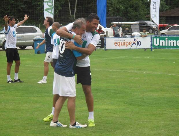Washington e Kadu Moliterno no Desafio das Estrelas (Foto: Rafael Cavalieri/Globoesporte.com)