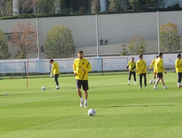 Piqué treino Barcelona (Foto: Thiago Dias / Globoesporte.com)