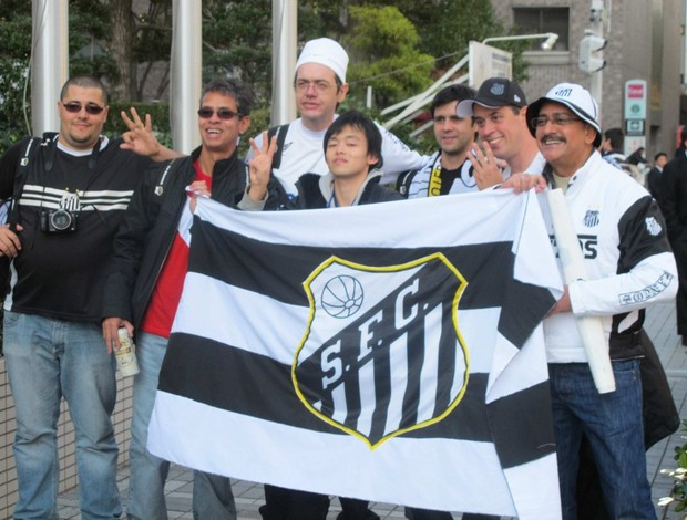 Torcida do Santos na porta do hotel (Foto: Adilson Barros / Globoesporte.com)