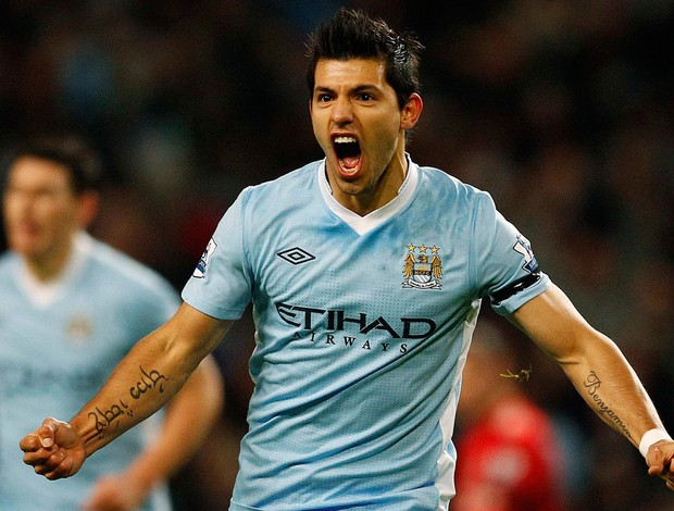 aguero Manchester City x liverpool (Foto: Reuters)