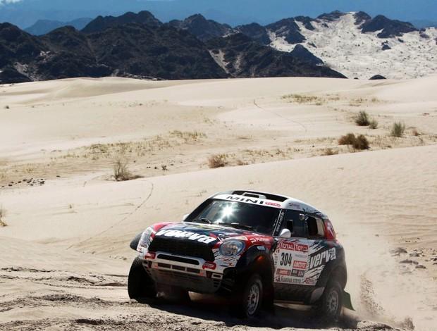 Krzysztof Holowczyc vence a quinta etapa do Rally Dakar (Foto: Agência EFE)