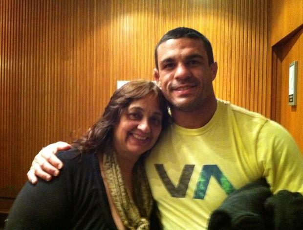Vitor Belfort e sua mãe Jovita (Foto: Arquivo Pessoal)