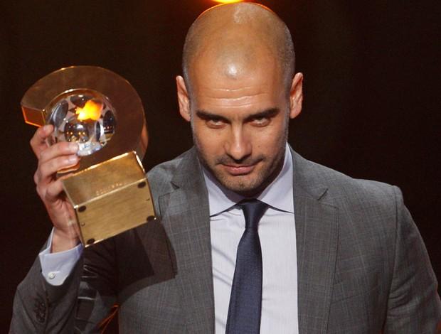 guardiola bola de ouro fifa (Foto: Reuters)