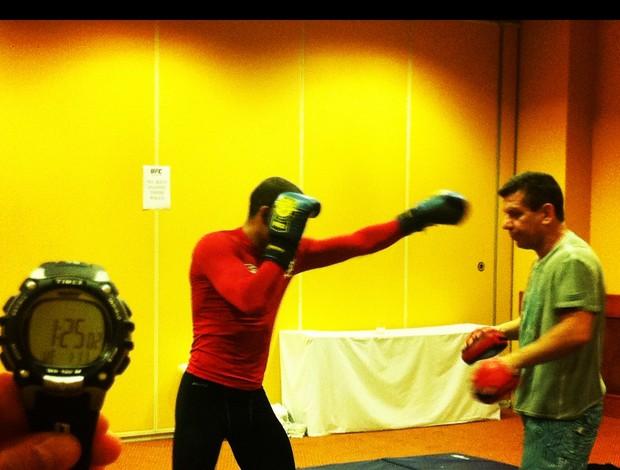José Aldo treina de madrugada para luta no UFC Rio (Foto: Ana Hissa/SporTV.com)