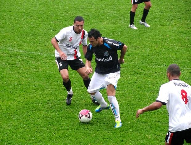 kleber gladiador grêmio jogo-treino são paulo bento gonçalves (Foto: Eduardo Cecconi/Globoesporte.com)