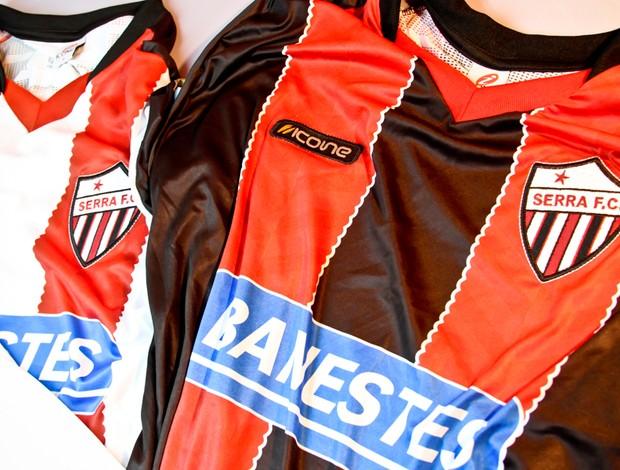 Novos uniformes 2012 do Serra (Foto: Rodrigo Pysi/Studio Quartier/Divulgação)