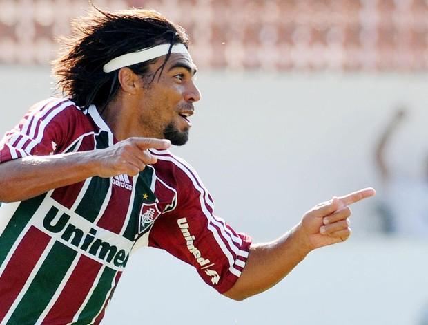 Araujo gol Fluminense (Foto: Dhavid Normando / Photocamera)