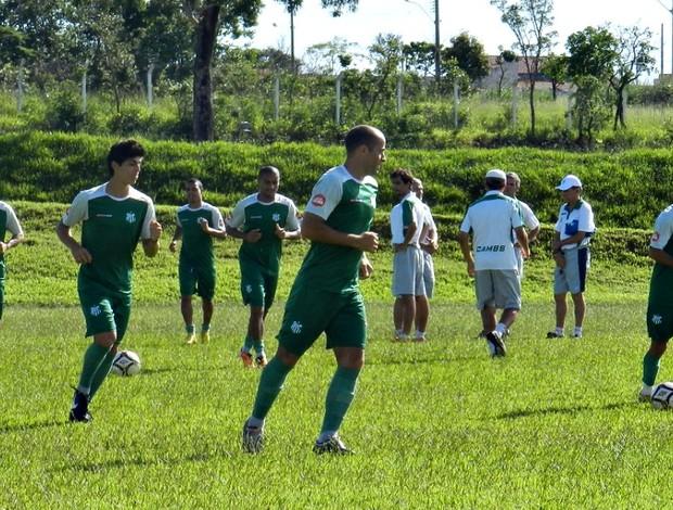 Treino do Uberlândia antes do amistoso contra o Nacional-MG (Foto: Andréia Candido/GLOBOESPORTE.COM)