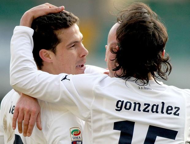 Hernanes comemora gol do Lazio contra Chievo (Foto: Ap)