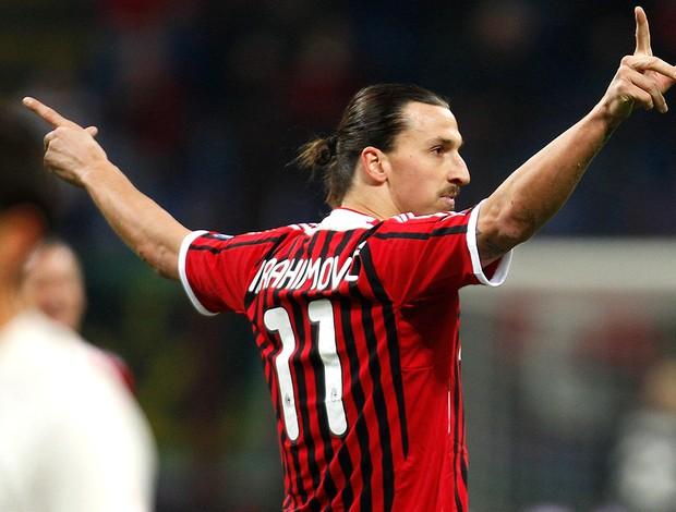 ibrahimovic milan gol cagliari (Foto: Agência AP)