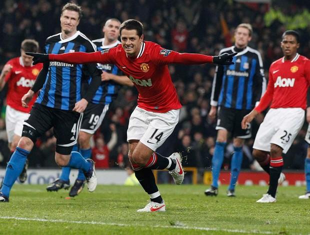 chicarito Hernandez manchester united x Stoke City (Foto: Reuters)