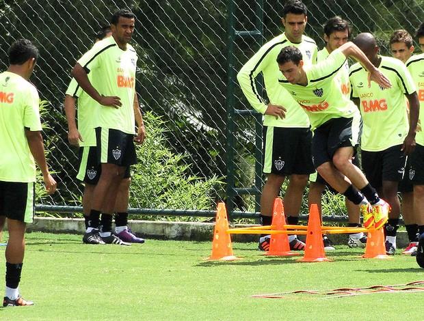 jogadores no treino do Atlético-MG (Foto: Ana Paula Moreira / Globoesporte.com)