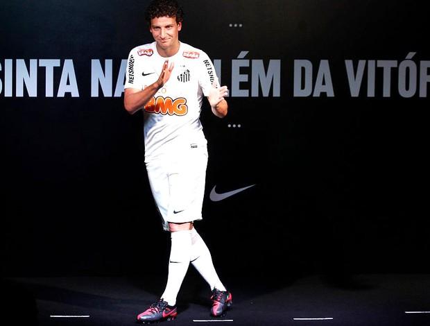 elano nova camisa santos  (Foto: NIke / Divulgação)